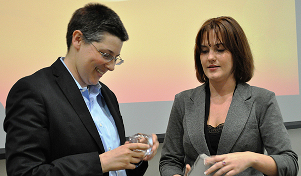 Sarah Lawsky receives award from SBA President Lisa Petak